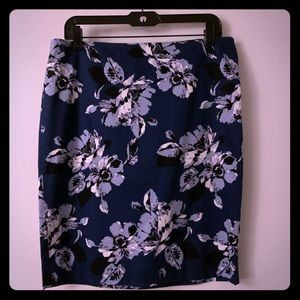 The Limited blue floral pencil skirt sz 8
